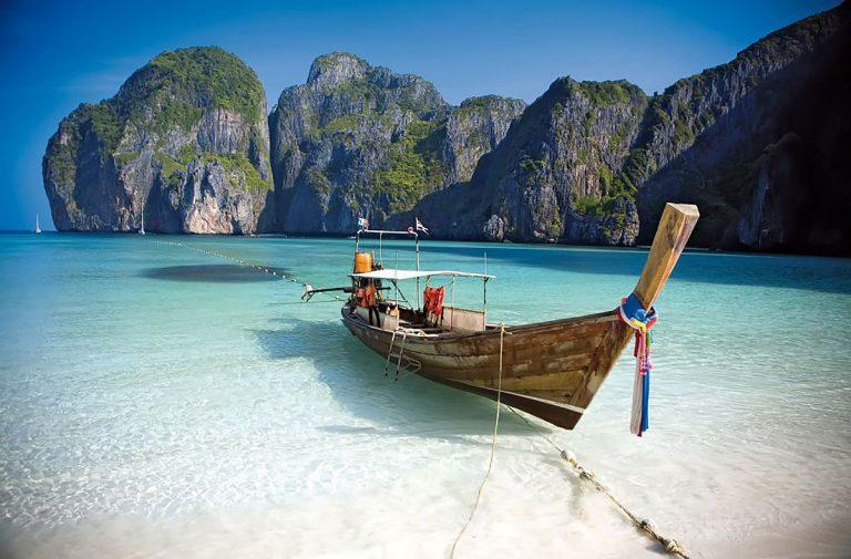 Boat on Koh Samui beach in Thailand